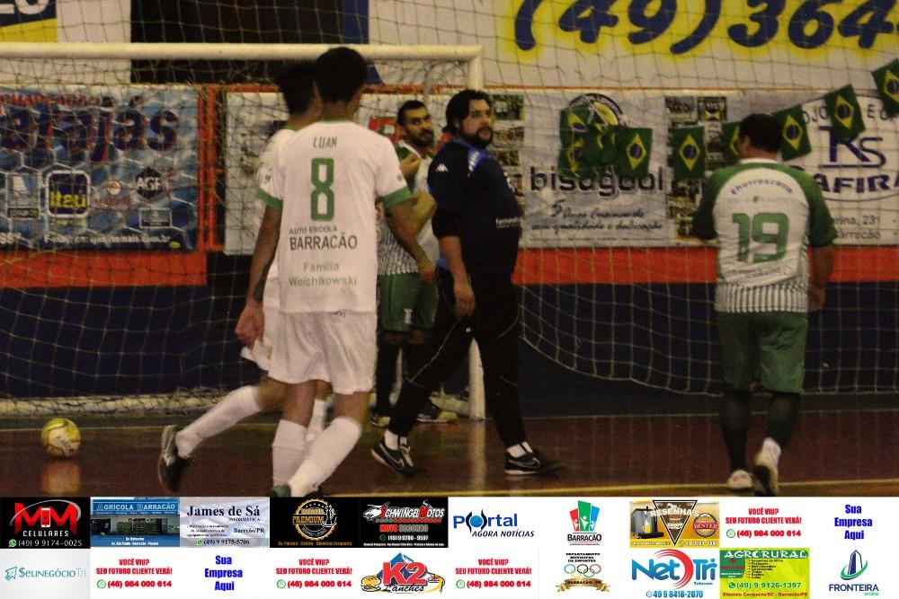 Fotos da rodada de quinta feira (25) do Interbairros de Futsal de Barracão/PR