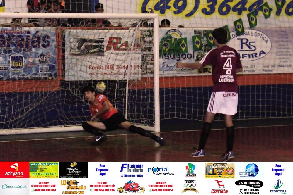 Fotos da rodada de quinta feira (16) do Interbairros de Futsal de Barracão/PR