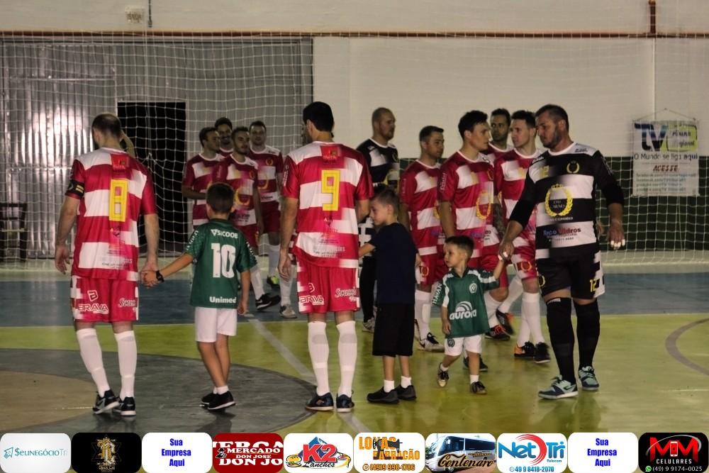 Fotos de Guatambú Society Império das Carnes e Guarujá do Sul pela final da Liga Oestina
