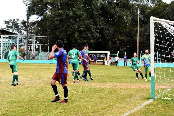 Fotos do jogo entre Ampére e Barracão pelas oitavas de finais da Copa Sudoeste de Futebol