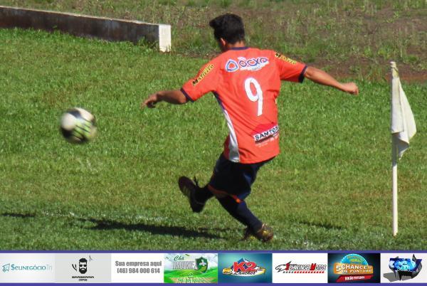 Fotos do jogo entre Cruzeiro São Roque e Nossa Senhora de Fátima no Barraconense Aspirante