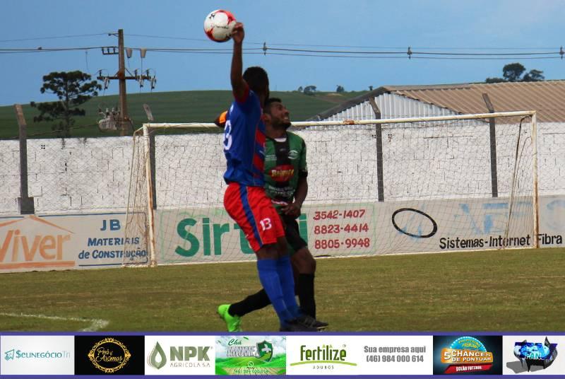 Confira fotos de Nacional x Pinheiros Beltronense no jogo de ida da final do Regional de Futebol Amador LCF