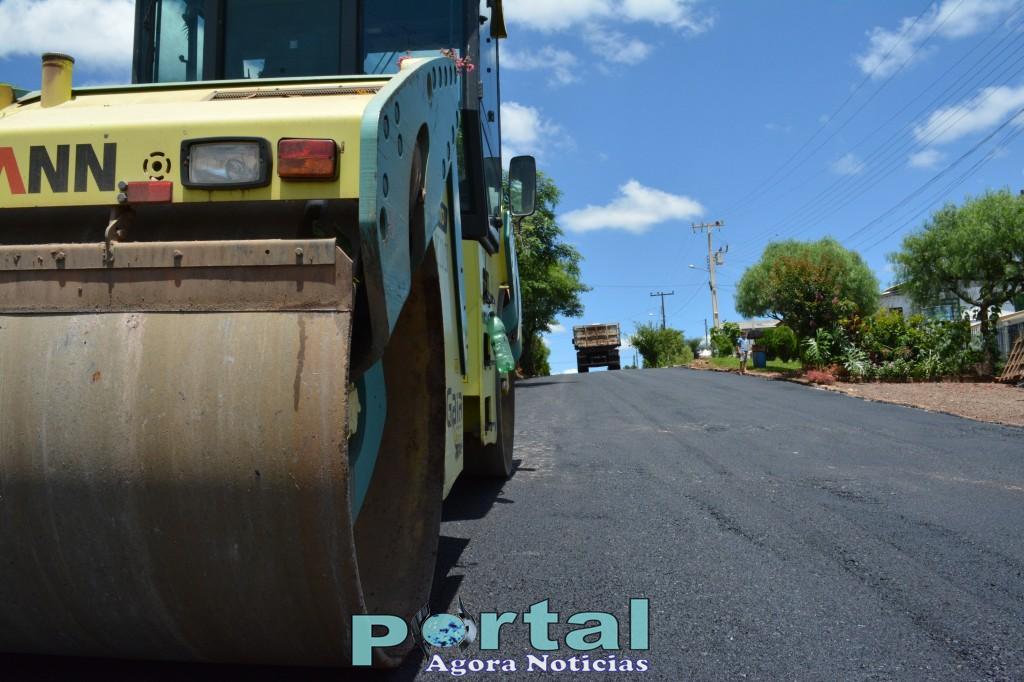 Dionísio Cerqueira - Prefeito anunciou asfaltamento de ruas no  bairro Peperiguaçu
