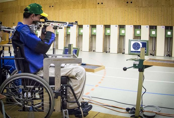 Número 1 do mundo, atleta paralímpico conquista Copa Brasil de tiro esportivo