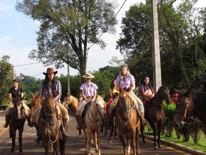 Rancho dos Cavaleiros organiza Cavalgada Feminina