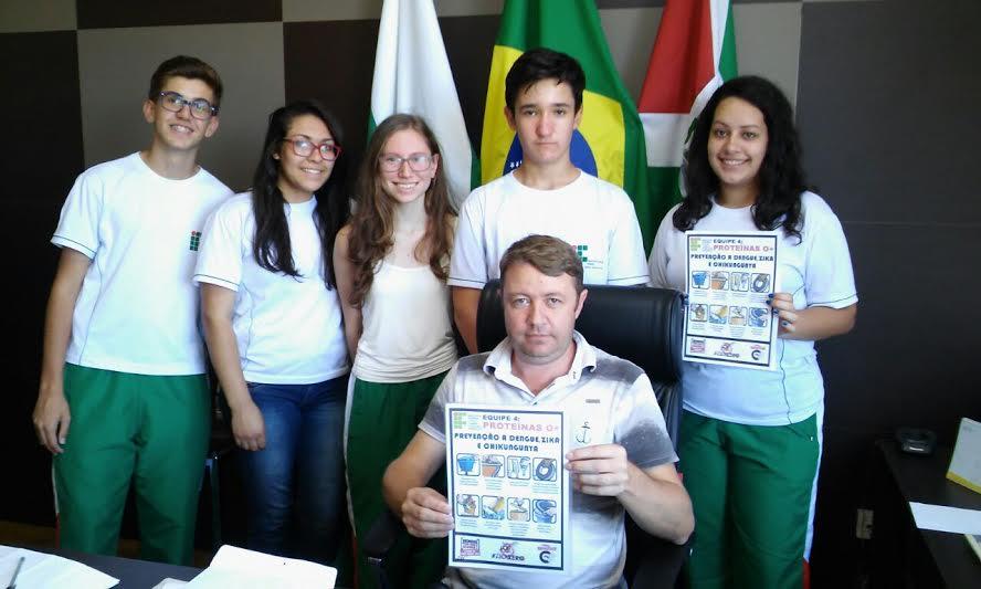 Alunos do IFPR Campus Avançado de Barracão realizam campanha contra o mosquito Aedes Aegypti