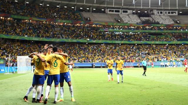 Brasil goleia Dinamarca e pegará Colômbia nas quartas de finais das Olimpíadas