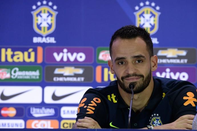 Líder, Renato Augusto aposta em rodízio de capitães na Seleção de Tite