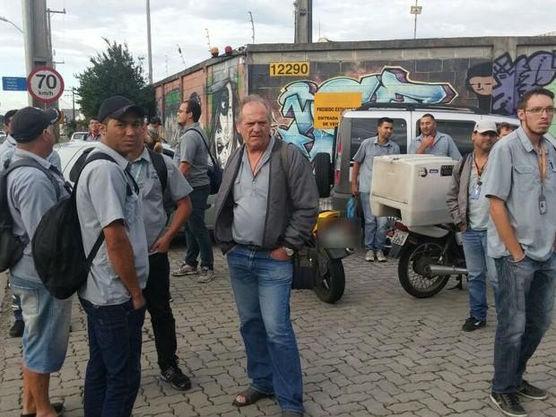 Após ato, motoristas e cobradores de Curitiba recebem parte dos salários