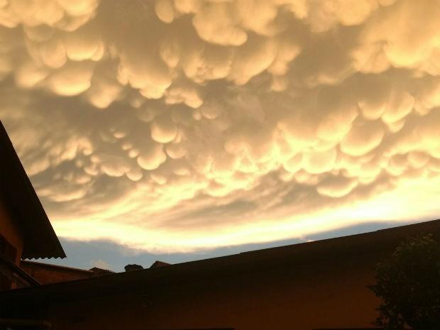 Nuvem rara que anuncia temporais chama a atenção no Paraná; fotos