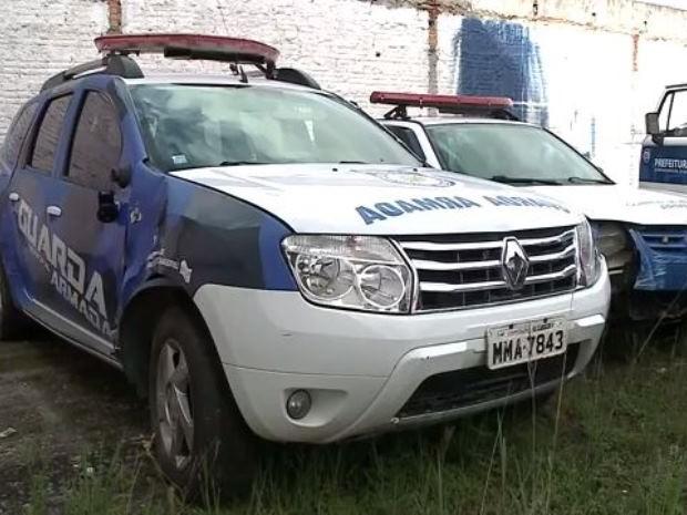Depósito de município de SC tem carros parados e exames vencidos