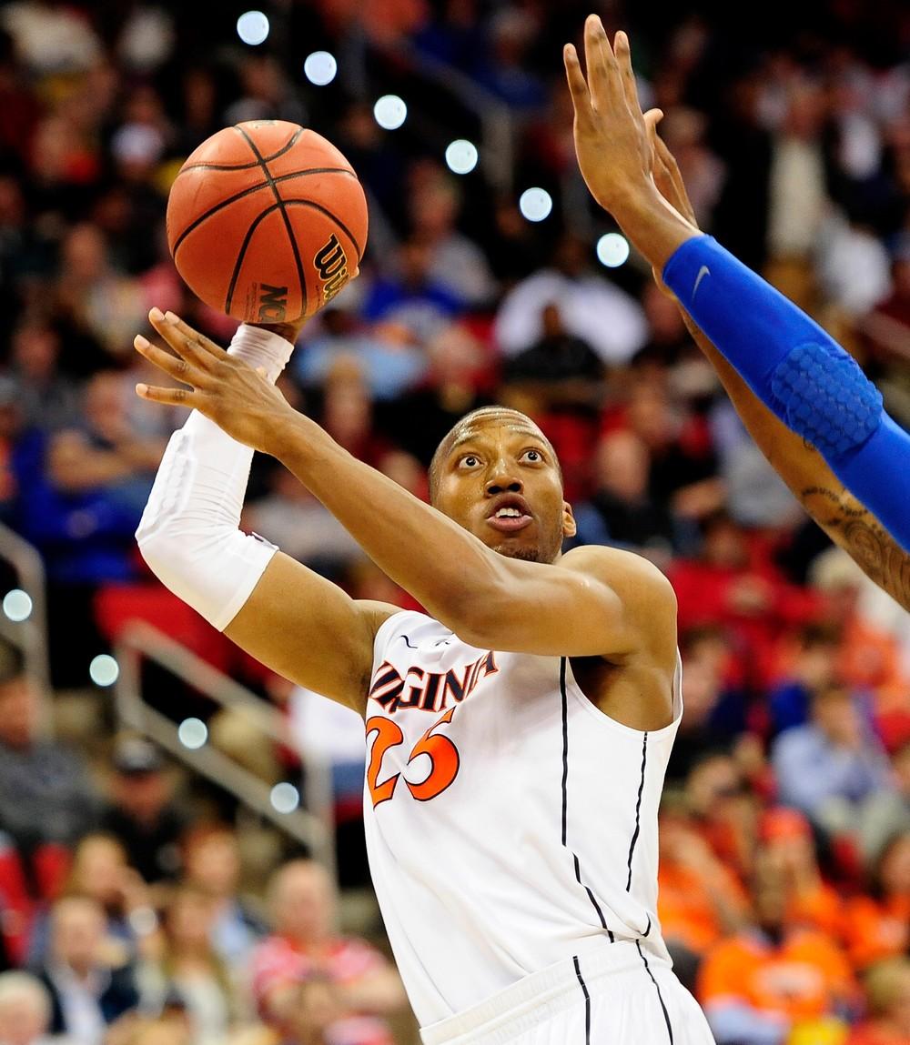 Atleta descreve como viu olho sair da órbita em jogo de basquete – e continuou enxergando