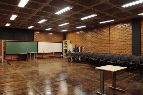 UNILA prepara salas e laboratórios para início do ano letivo