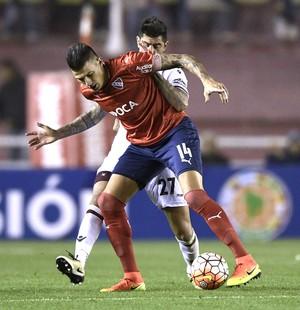 Inter anuncia contratação do zagueiro Victor Cuesta, do Independiente