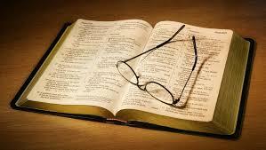 Aceitar a boa instrução de Deus e dos pais nos poupa de muita dor e sofrimento