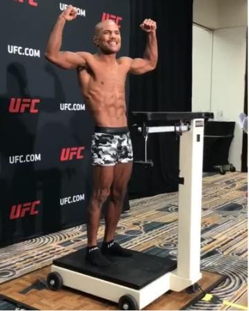 UFC - Reis e Demetrious se enfrentam pela disputa do cinturão peso-mosca