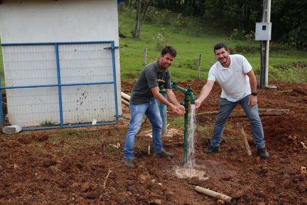 Rede de água vai atender comunidades do interior  de Santo Antonio do Sudoeste