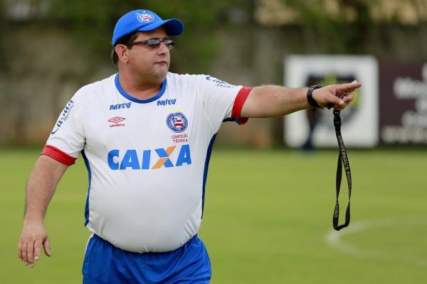 Inter abre semana decisiva sem técnico; Guto Ferreira desponta entre cotados