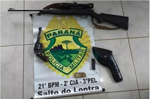 Salto do Lontra - Dois homens são presos por posse ilegal de armas