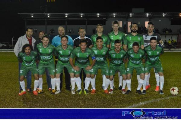 Barraconenses em pose para foto oficial/Foto:Marcos Prudente