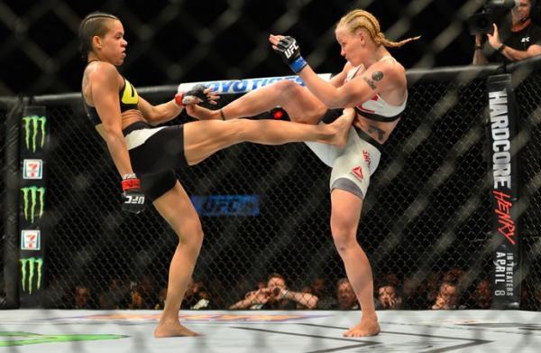 Amanda Nunes encontrará Valentina Shevchenko mais uma vez para defender o cinturão