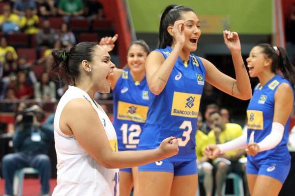 No vôlei feminino, Polônia pressiona mas Brasil se empenhou e vence por 3 sets a 0