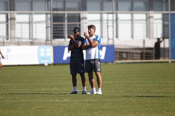 Renato não trabalha sozinho para manter o time em sucesso