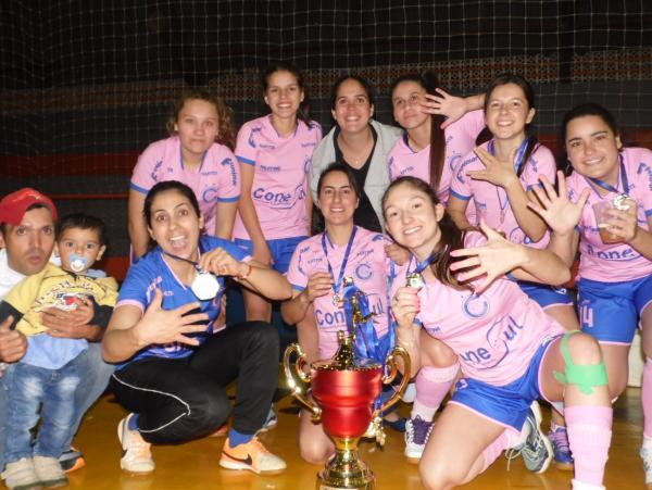 Futsal penta campeão