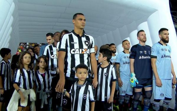Grêmio desperdiça chance de se aproximar do Líder.