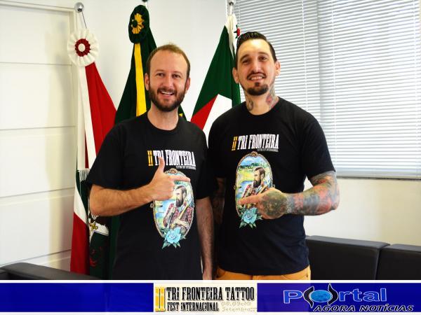 Prefeito Thiago Gnoatto (E) e Organizador do evento Bob Claito/Foto:Marcos Prudente