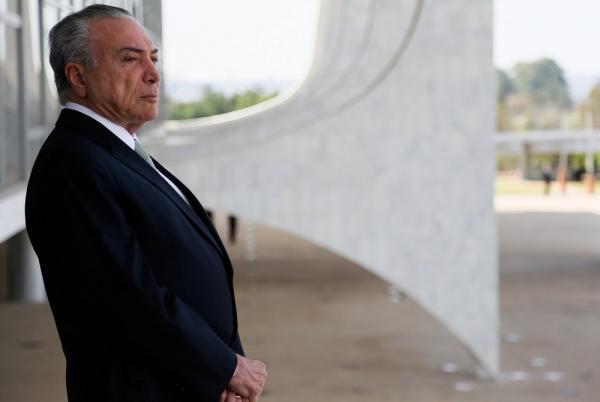 Temer tentará vender Empresas Brasileiras para Chineses