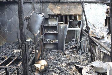Bíblia Sagrada não é consumida por incêndio