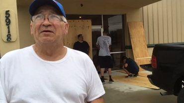 """Pela fé - Pastor que """"desafiou"""" furacão conta que igreja não foi atingida: """"Deus é fiel"""""""