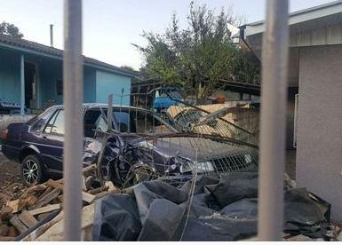 Francisco Beltrão – motorista embriagado derruba portão de casa