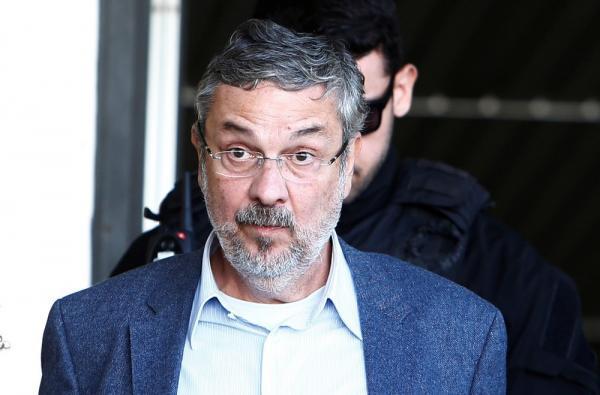 Sergio Moro deverá ouvir Antônio Palocci e mais três réus da lava jato hoje (06)