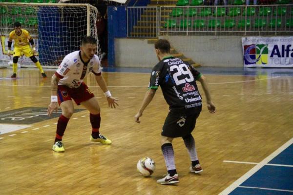 Marreco goleou Toledo e contou com tropeço do Pato para assumir a vice liderança