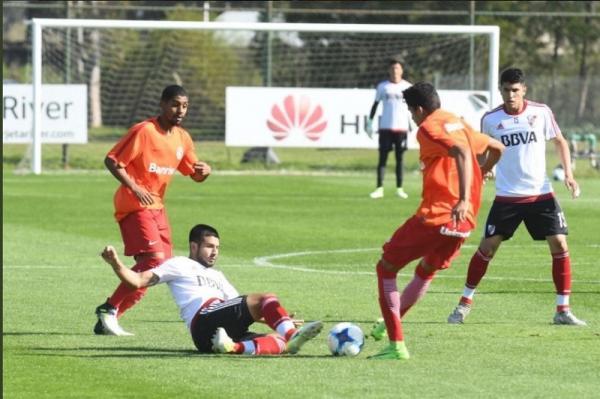 Internacional - Enquanto a equipe principal se prepara parar enfrentar o Juventude