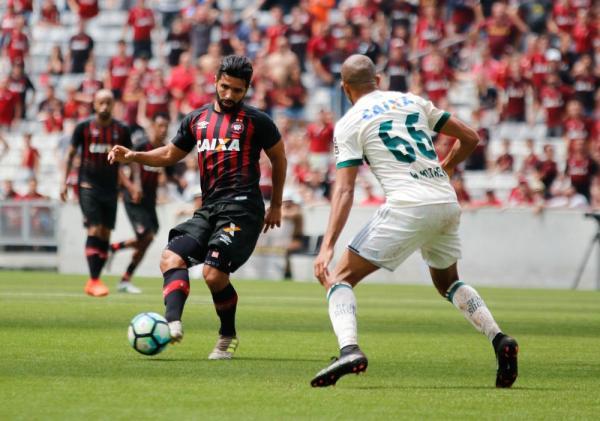 Atlético-PR evolui em números no segundo turno