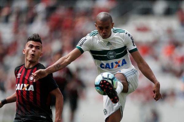 Com quatro tropeços seguidos, Coritiba é o vice-lanterna do returno do Brasileirão