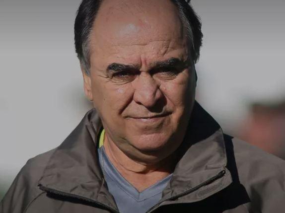 Marcelo Oliveira precisa remontar a defesa contra o Palmeiras