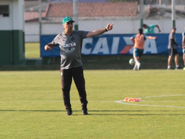 Alecsandro deve desfalcar o Coritiba contra o Palmeiras; Kleber é dúvida