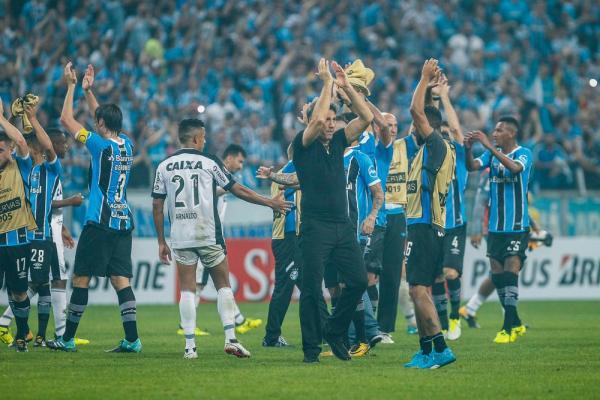 Grêmio copeiro, deixa de lado melhor futebol por vaga