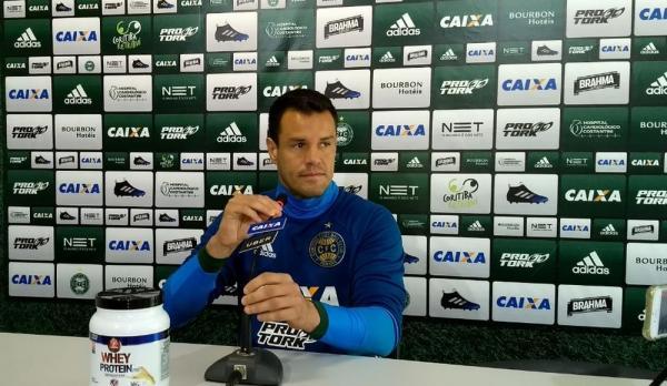 Wilson pede apoio no Couto Pereira