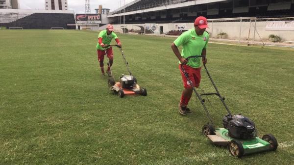 Gramado e caldeirão viram adversários do Inter em Caruaru