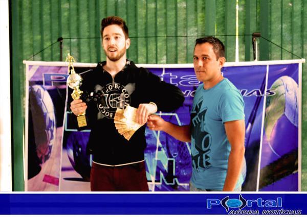 Barracão - Christian Renan é o primeiro campeão de Futebol Digital PES do município