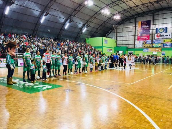 Liga Catarinense – Curitibanos goleia e espera desfecho jurídico para conhecer seu oponente na final