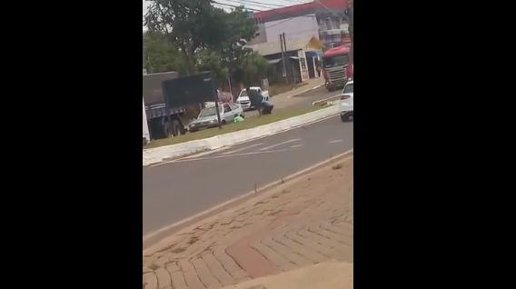 Barracão – Briga entre bêbados quase termina em morte na Arnaldo Buzato