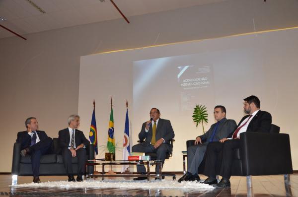 Aliel fala sobre combate à corrupção a convite do Ministério Público