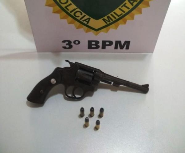 Arma de fogo é apreendida pela PM em Coronel Vivida