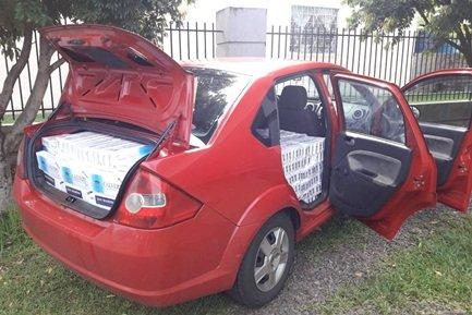 Veículo roubado e 20 mil maços de cigarros são apreendidos em São Lourenço do Oeste